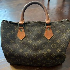 Authentic Louis Vuitton Monogram Speedy 30